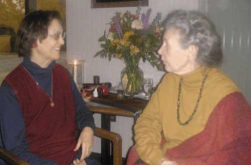 Patty de Llosa (l); Marion Woodman